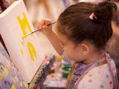 Kids can learn to paint with two UAE school teachers